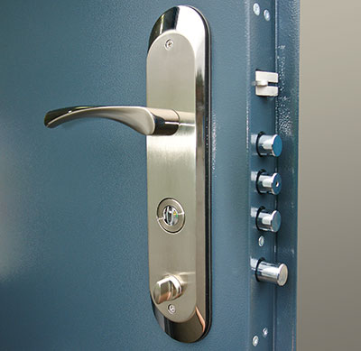 Highly secure double lock door
